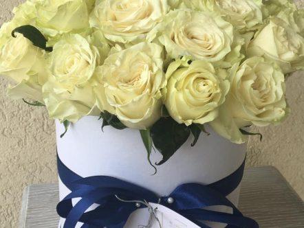Aranjament trandafiri in cutie 3