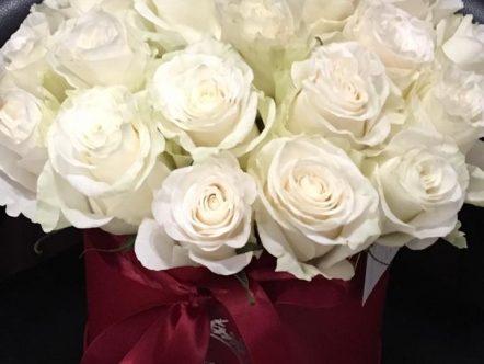 Aranjament trandafiri in cutie 4